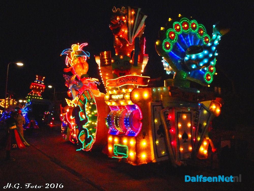 Verlichte Carnaval optocht Lemelerveld. | DalfsenNet