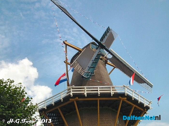 Jury nationale molenstichting op bezoek bij molen Fakkert. - Foto: H.G. Foto