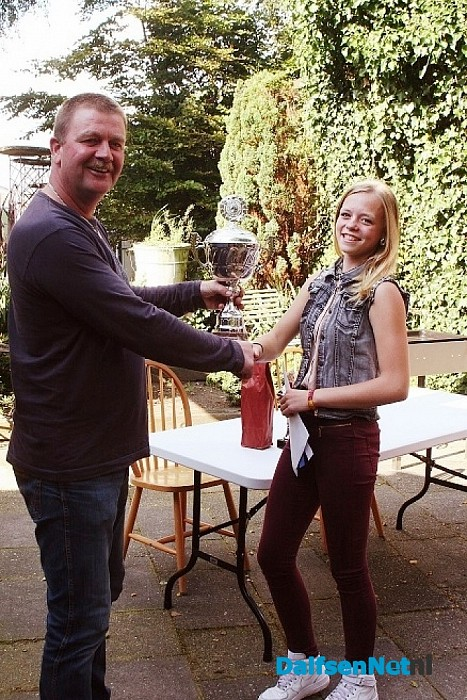 Anouk van Berkum, clubkampioen van de ponyclub Dalfsen e.o.