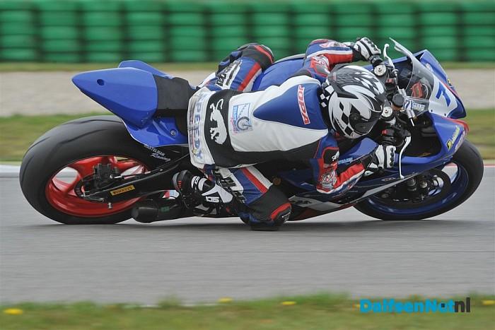 Motorcoureur Koen Meuffels richting de top tien.
