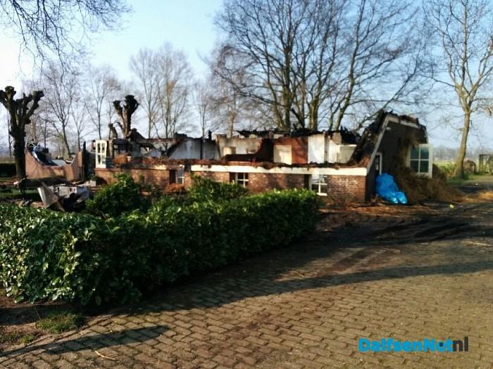 De trieste restanten van de boerderijbrand