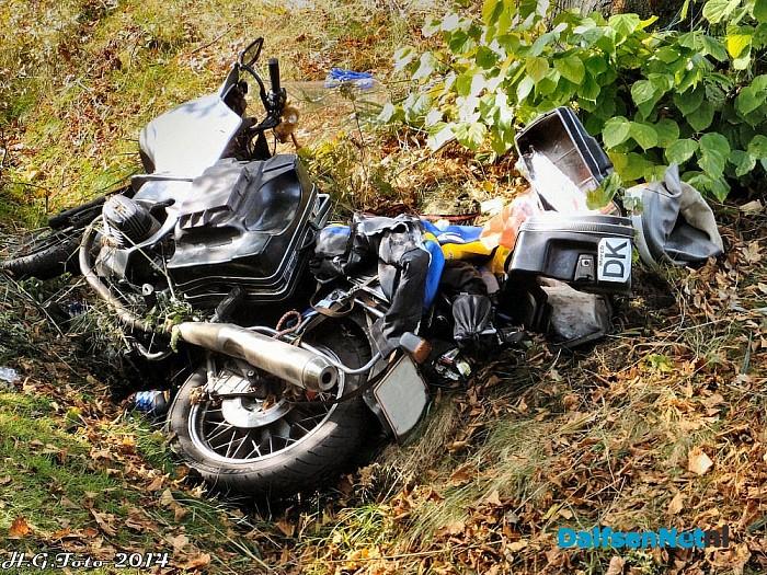 Deense motorrijder hard onderuit. - Foto: H.G. Foto