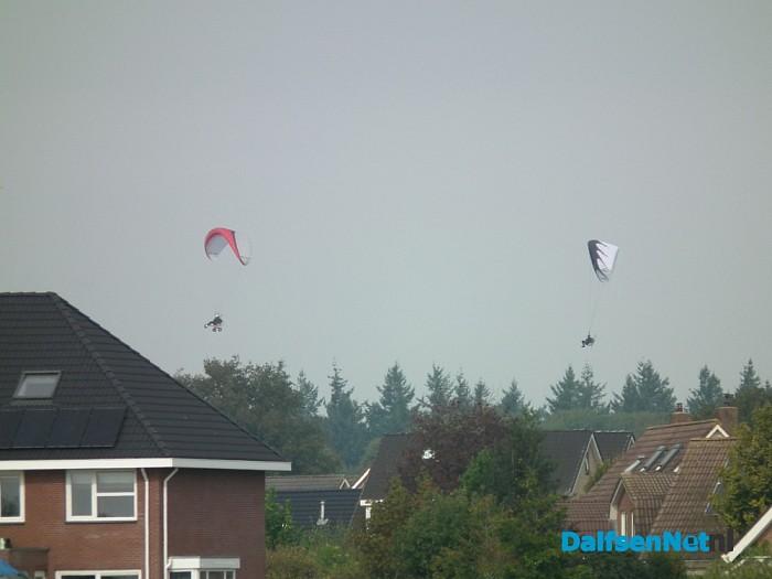 Paramoteurs boven Hoonhorst - Foto: Robert Bril