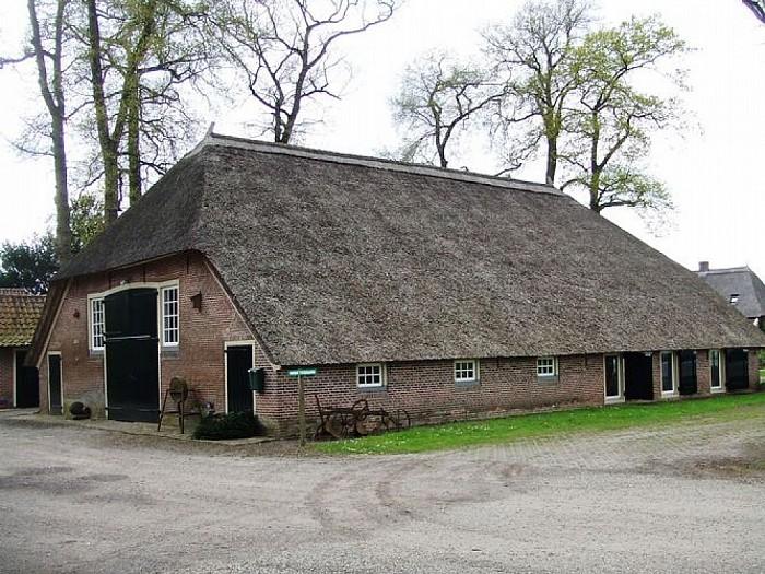 Oude veeschuur Den Aalshorst wordt woning - Foto: Wim