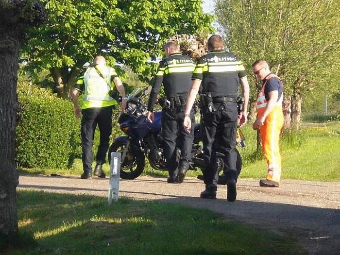 Ongeval motor met opraapwagen - Foto: eigen geleverde foto