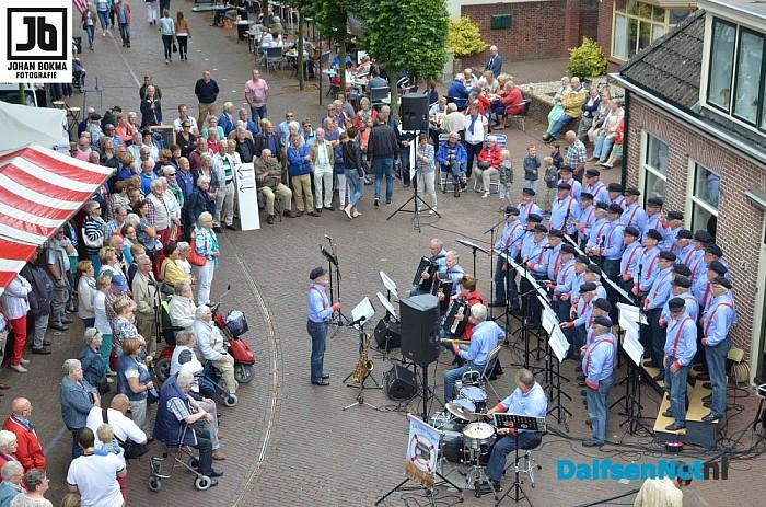 Genieten op de tweede Blauwe Bogen Dag in Dalfsen - Foto: Johan Bokma
