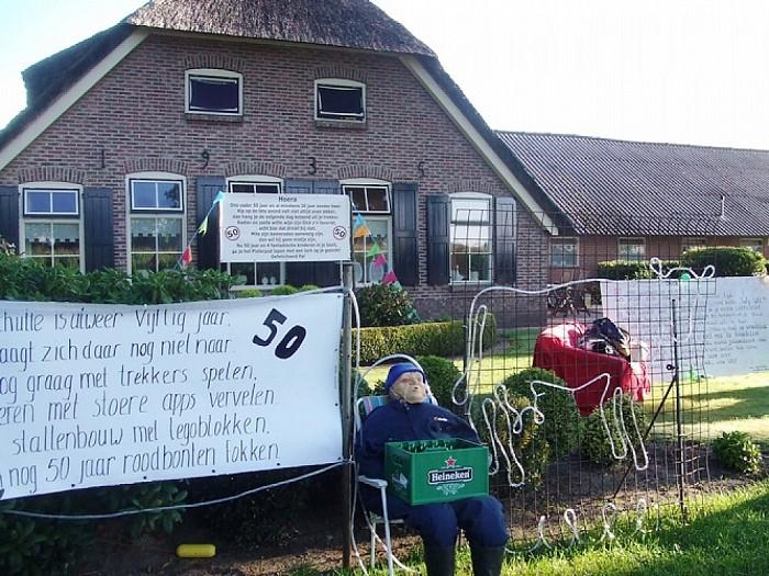 Boer Schulte speelt al 50 jaar met legoblokken - Foto: Wim