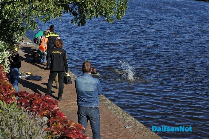 Update 2 Auto te water bestuurder ernstig gewond afgevoerd - Foto: Johan Bokma