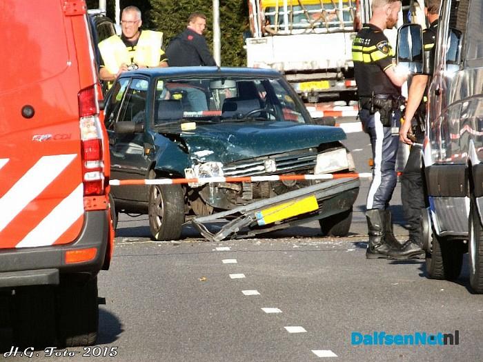 Auto te waterVechtdijk (foto update ) - Foto: H.G. Foto