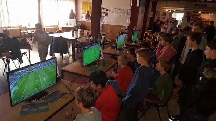 Veel spanning tijdens drukbezet FIFA-Toernooi - Foto: eigen geleverde foto