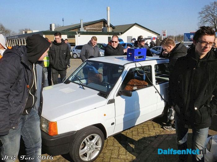 Auto meeting bij Road Runner - Foto: H.G. Foto