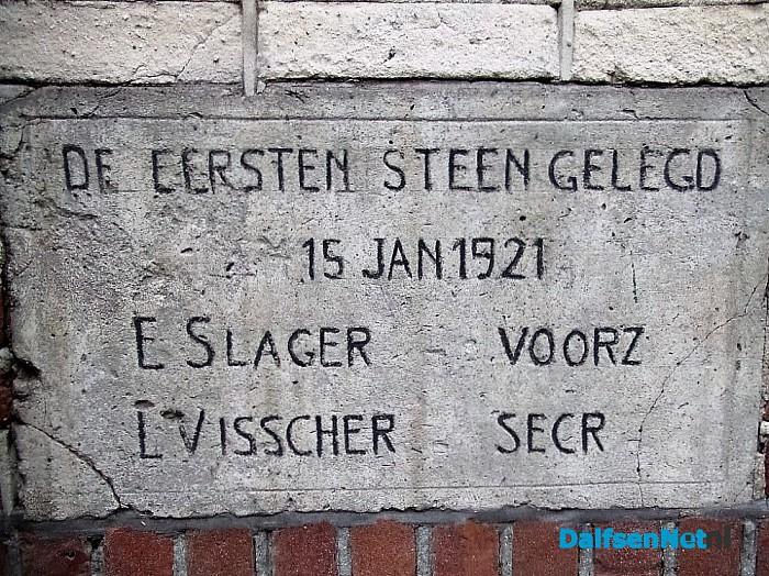 Eerste steen gelegd - Foto: Wim
