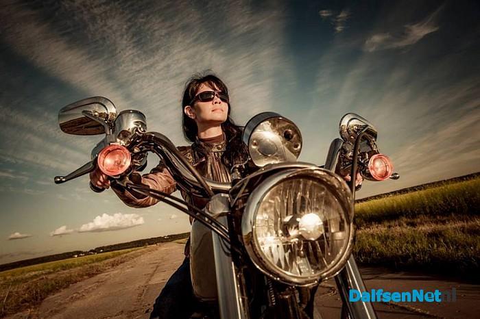 Zij Wiel'n Toer'n sponsor motortocht door vrouwen in Overijssel - Foto: Ingezonden foto