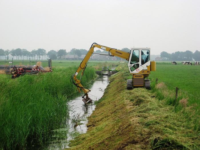 Bespreken onderhoud watergangen - Foto: eigen geleverde foto