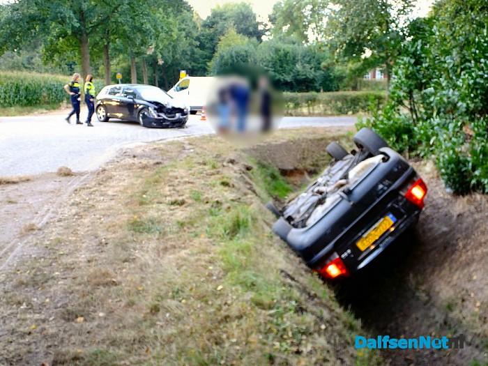 Aanrijding kruising Hofmanssteeg / Oosterdalfsersteeg - Foto: H.G. Foto