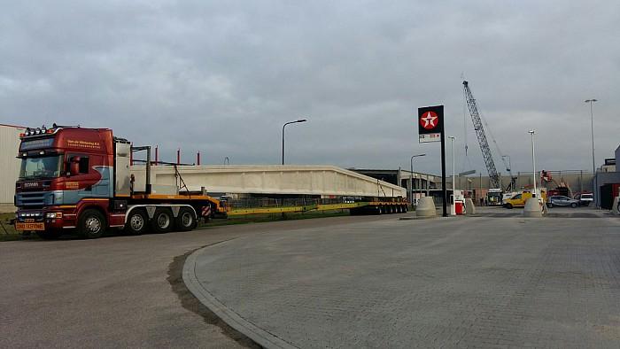 Enorme dakspanten nieuwbouw Tielbeke - Foto: Ingezonden foto
