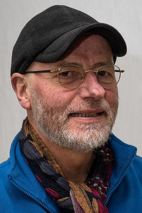 Man met hoofddeksel:  Albert Klevringa - Foto: Paul Scholten