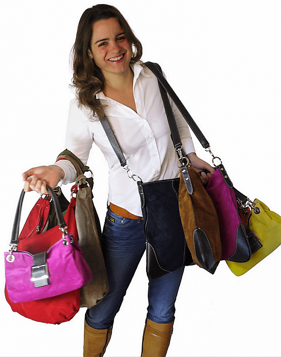 Nieuw item: vrouw met tas - Foto: eigen geleverde foto
