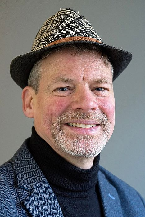 Man met hoofddeksel: Richard Vollebregt - Foto: Paul Scholten
