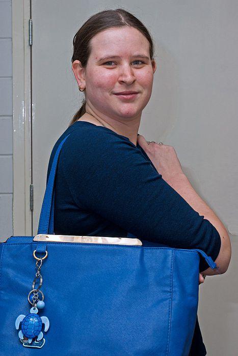 Vrouw met tas deel 1: Laura Westra - Foto: Paul Scholten