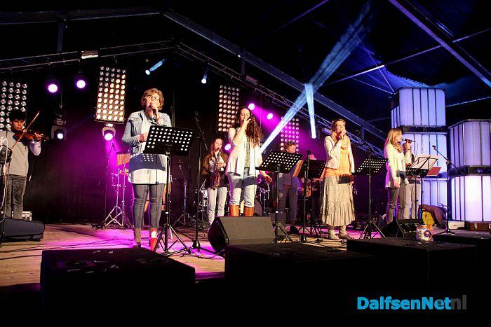 Volle tent in Dalfsen - Foto: Ingezonden foto