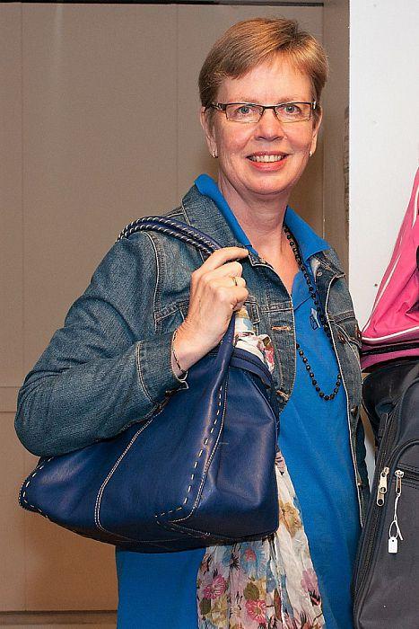 Vrouw met tas: Grietje Schoemaker - Foto: Paul Scholten
