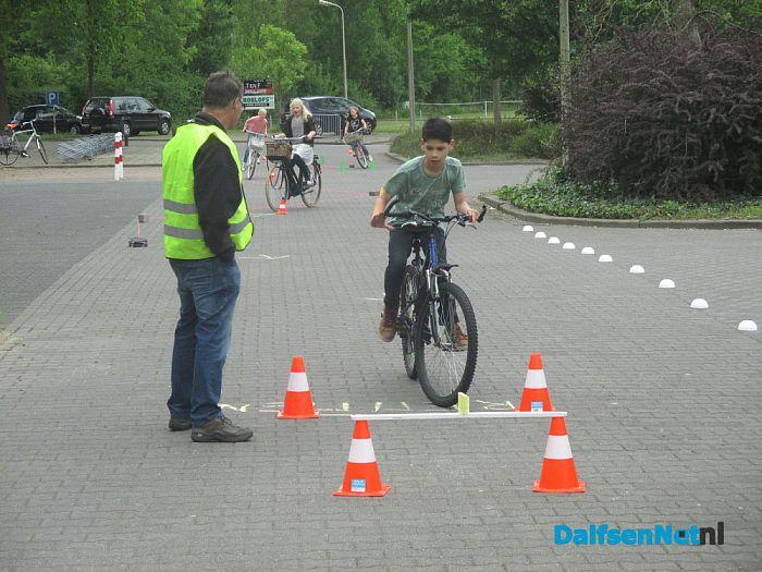 Fietstraining voor basisschool leerlingen - Foto: Ingezonden foto