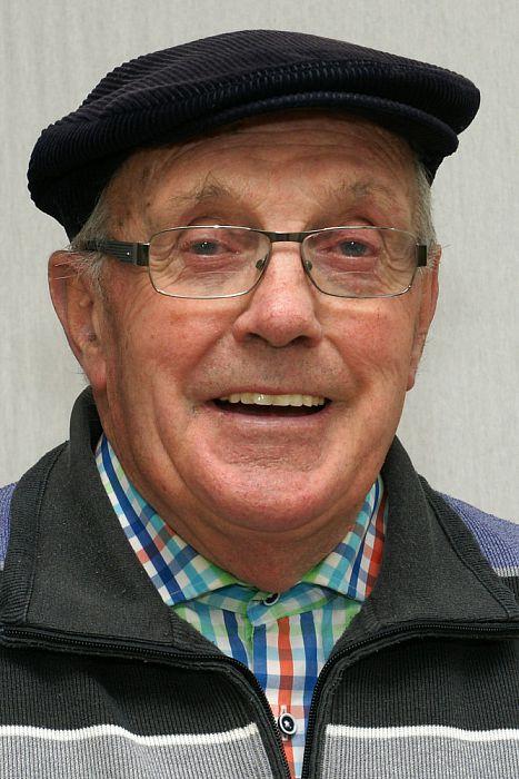 Man met hoofddeksel: Henk Kodden - Foto: Paul Scholten