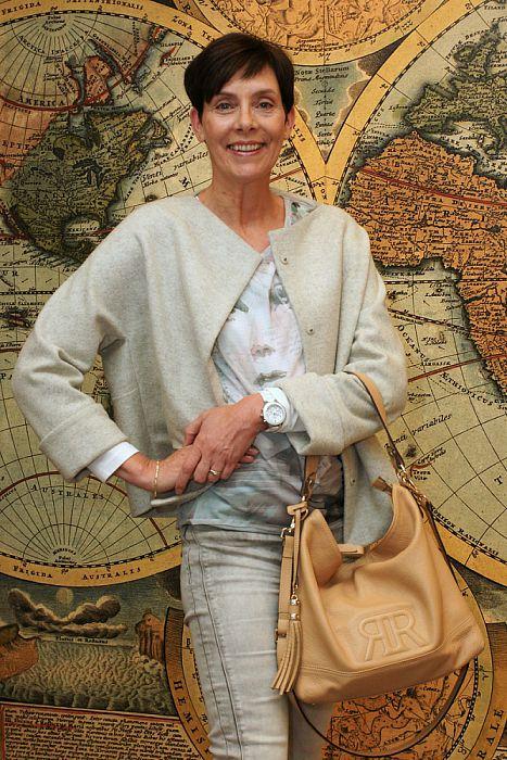 Vrouw met tas: Roelien Roessink - Foto: Paul Scholten