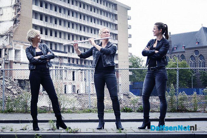 Mirjams 'Hamelse' fluit betovert Dalfsen - Foto: Ingezonden foto