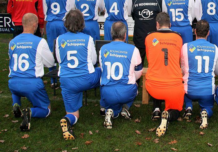 Nieuwe kleding VV Hoonhorst Veteranen - Foto: eigen geleverde foto