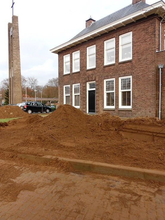 Vrachten zand in Hoonhorst niet voor hoogwater