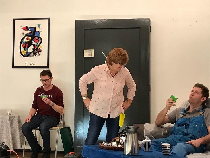 "Toneelgroep ""Oese Volluk"" speelt: Pensionado's Wiet Vut - Foto: eigen geleverde foto"