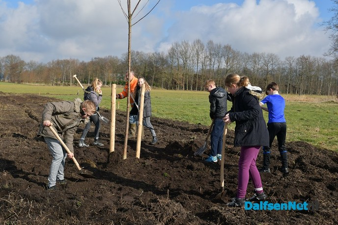 Start beplanting Petersweg tijdens Nationale Boomfeestdag 2018 - Foto: Johan Bokma