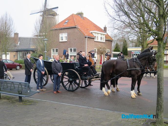 Bijzondere begrafenisstoet in Hoonhorst - Foto: Wim