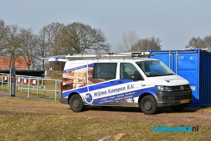Alle sluisdeuren Vechterweerd geplaatst - Foto: Johan Bokma