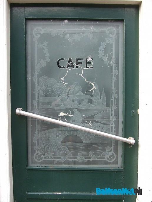 Komende week sloop voormalig café De Zon - Foto: Wim