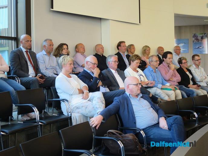 Het Dalfser college is weer compleet - Foto: Wim