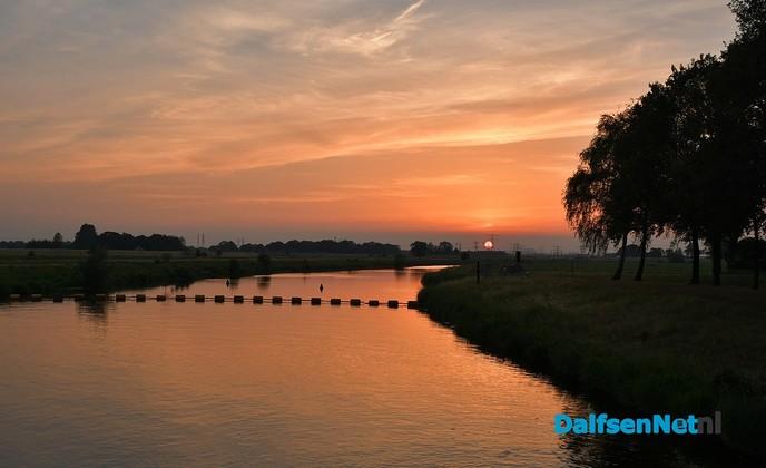 Zonsondergang bij stuw Vechterweerd - Foto: Johan Bokma