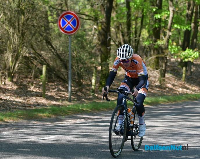 Winnaars en uitrijking van de Anna van der Breggen shirts - Foto: Johan Bokma