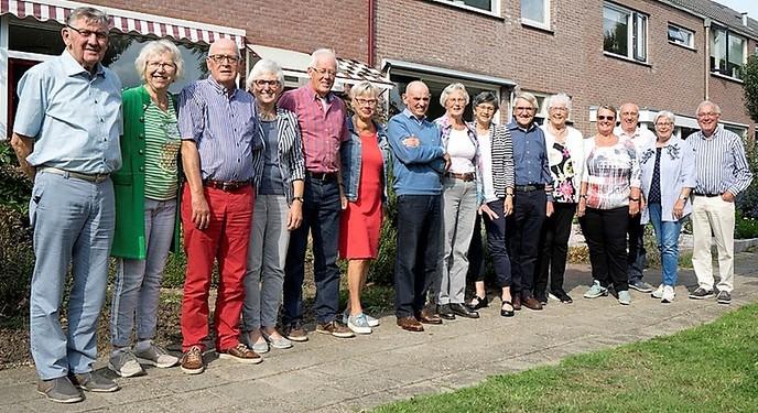 Gouden reünie Vaneg huizenblok Nieuwe Uitleg 36-50 - Foto: Geert Bistervels