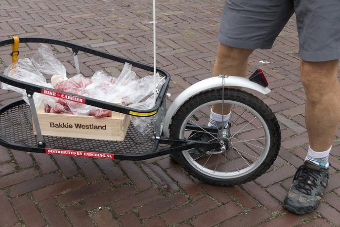 Eten halen, eten brengen - Foto: Geert Bistervels