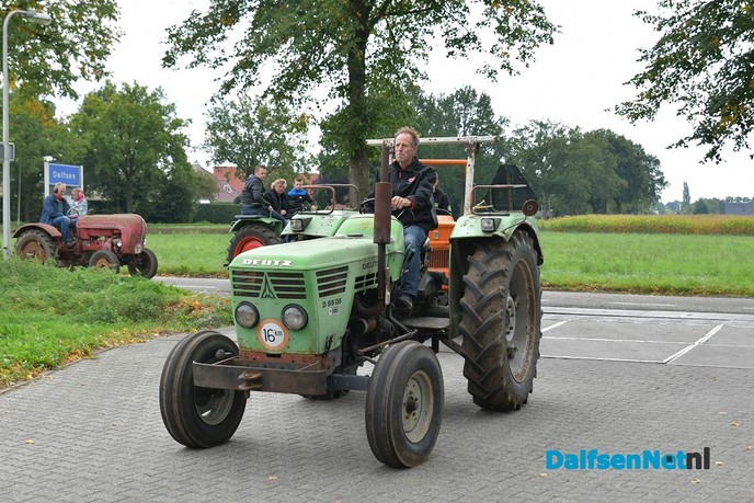 Tractor Oldtimerrit met 150 Tractoren - Foto: Johan Bokma