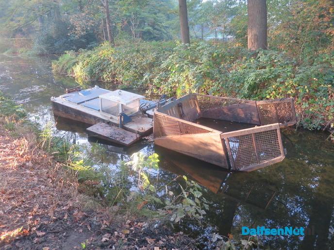 Spiegeling en baggeren op Den Berg - Foto: Wim