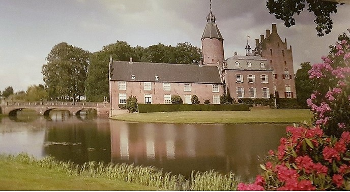 Oaver ons kasteel Rechtern - Foto: Gruune Jopie