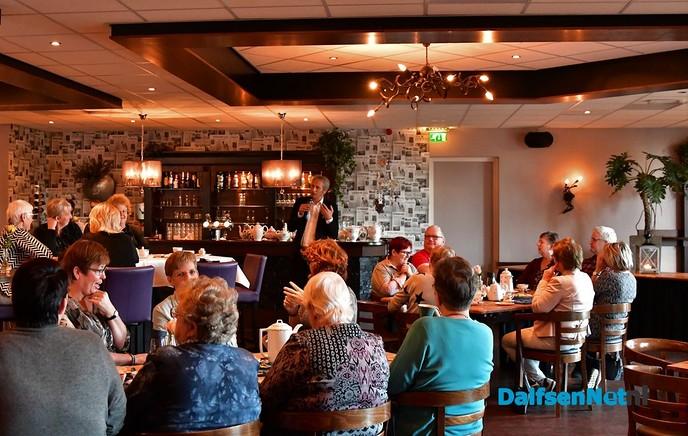 """Wethouder Uitslag tijdens Dag van de Mantelzorg: """"Zonder jullie wordt de zorg in Nederland onbetaalbaar"""" - Foto: Johan Bokma"""