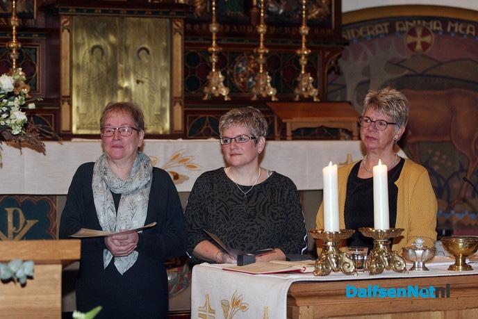 Drie jubilarissen gehuldigd in H. Willibrorduskerk - Foto: Ingezonden foto