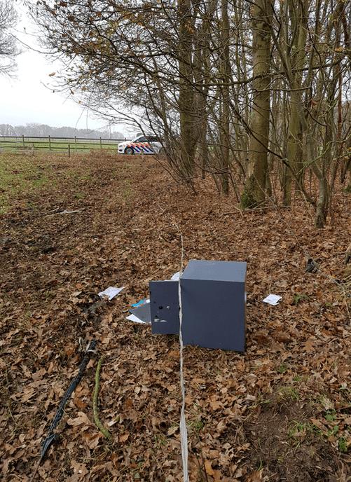 Kluis gevonden in Dalfsen - Foto: Politie Vechtdal