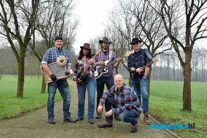 Zondag optreden Dalfser formatie The New American Farmers - Foto: Johan Bokma