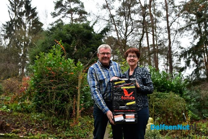 Miny en Jan Marsman inzet levert €1309,16 op voor het nationaal MS-fonds - Foto: Johan Bokma